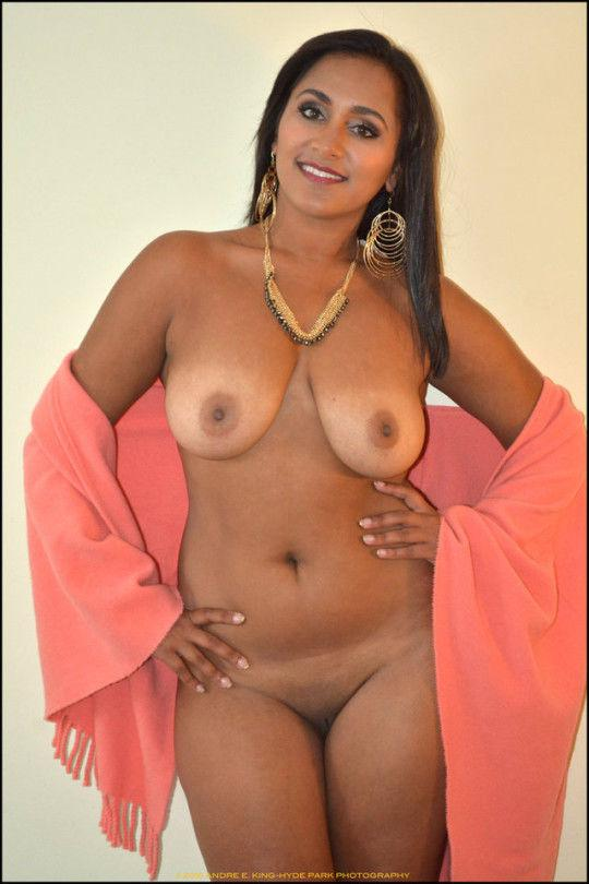 Hot ebony women naked pictures