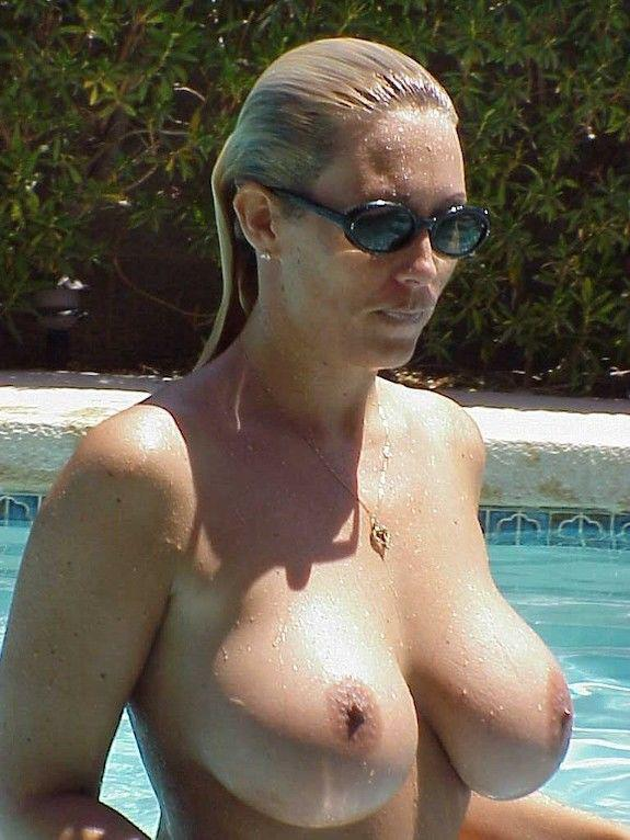 Topless milf Mature Library
