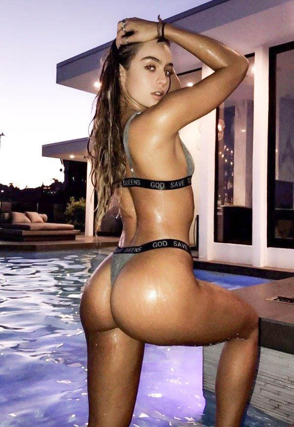 sexy big booty girls naked