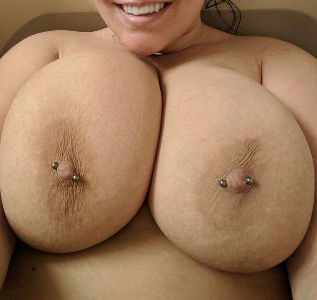 Pierced nips in the tub - gallery bbw - Adult XXX Area