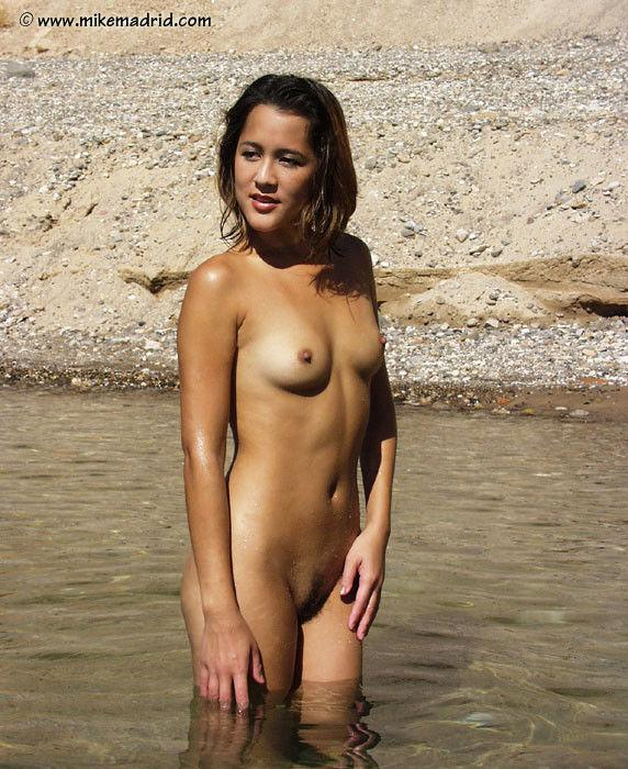 free outdoor nudes